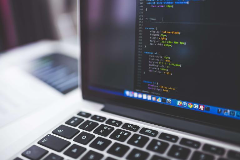 Programación para niños y jóvenes: aprender y jugar en línea